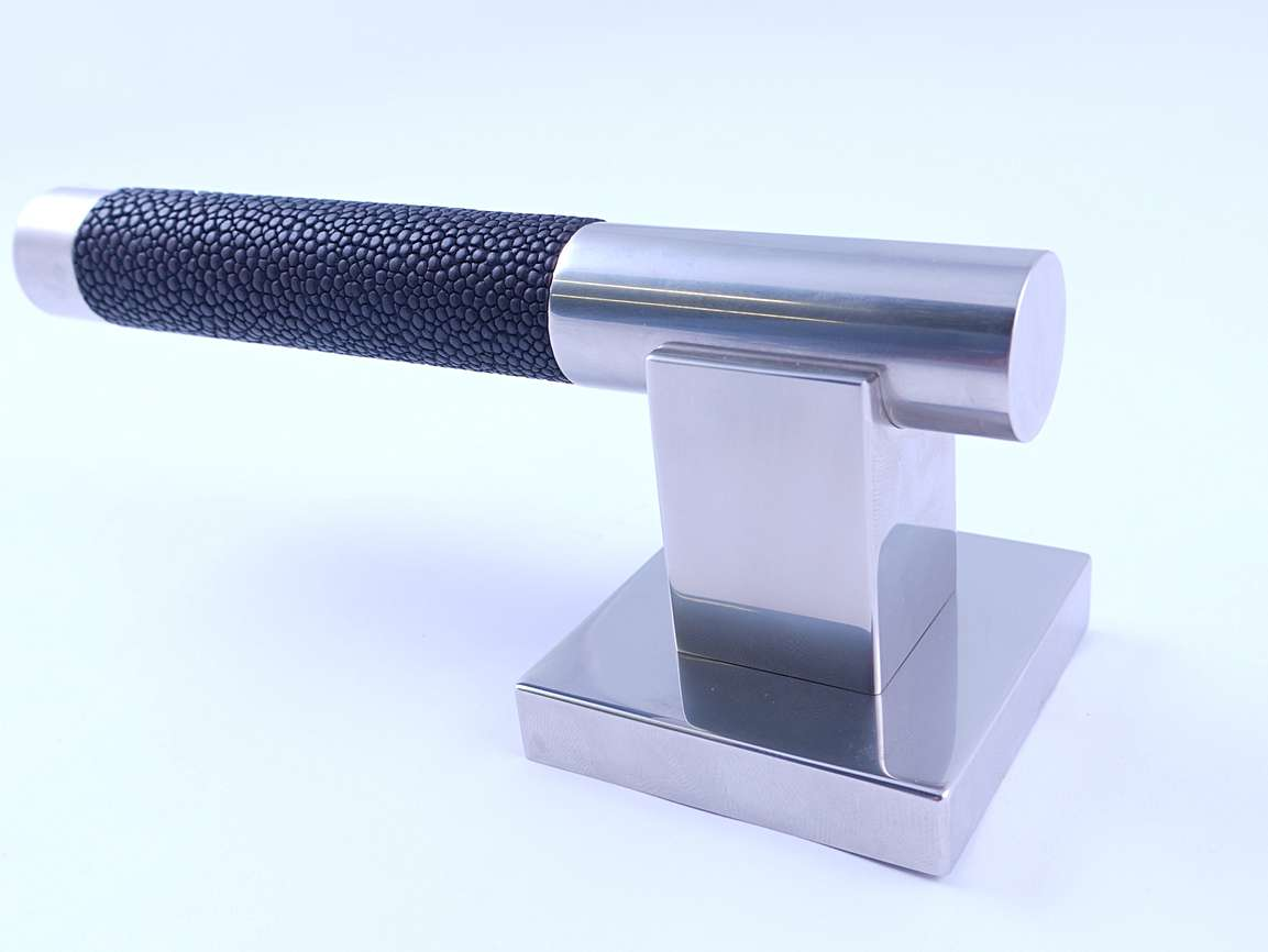 SHAGREEN SQUARE LEVER